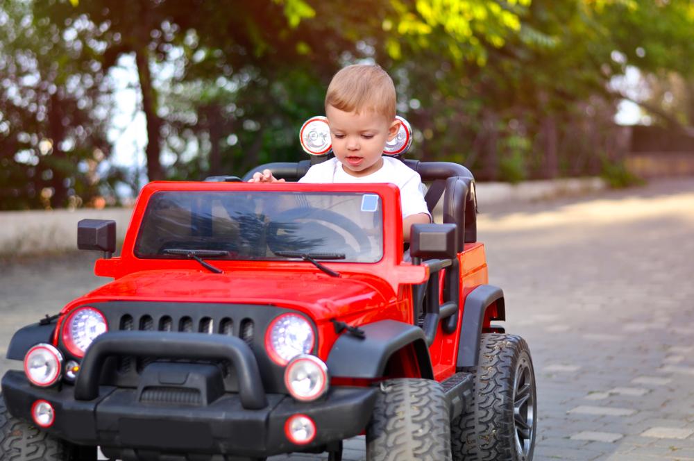 c1aadd50bafe0 Dvojmiestne elektrické autíčka pre deti od 1 roka: Poradíme vám s ...