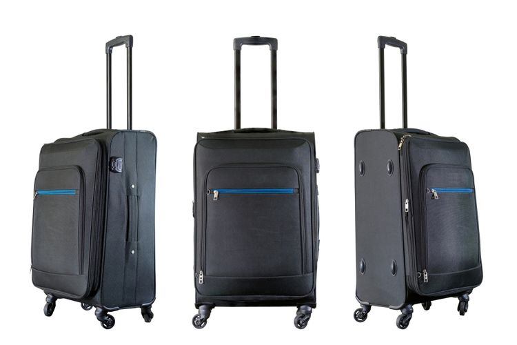 91b8e8494c Látkový alebo plastový cestovný kufor do lietadla  Lacné nebývajú ...