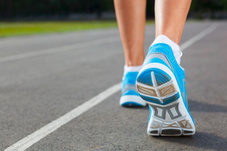 255fd25340474 Cestná obuv je pre vás vhodná, pokiaľ sa chystáte behať po asfalte či  spevnených lesných a poľných cestách. Ak sa chystáte behať v náročnejšom  teréne ...