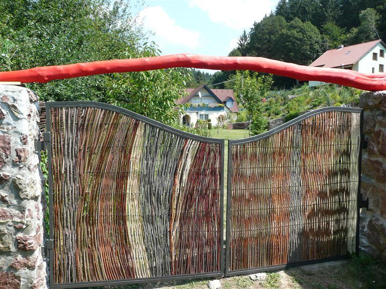 Vstupná brána z vŕbového prútia