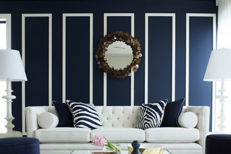 Námornícka modrá a biela - stena a gauč