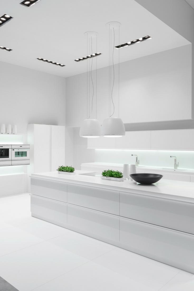 Lesklá biela kuchynská linka
