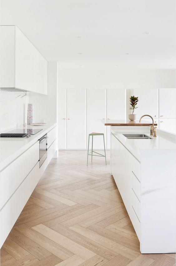 Biela kuchyňa v severskom štýle