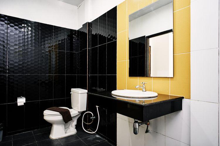 Žltý detail v kúpeľni