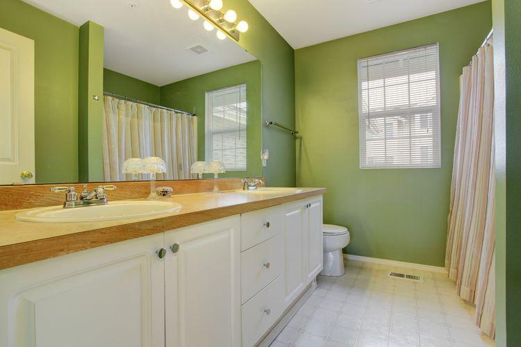 Kúpeľňa ladená do zelenej