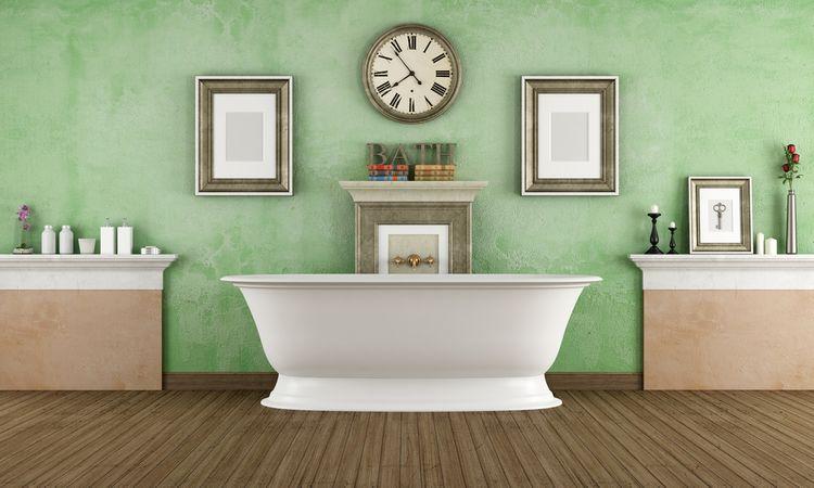 Kúpeľňa so zelenou stenou