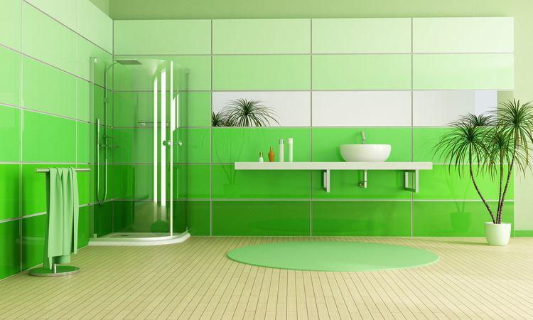 Kúpeľňa so zelenými stenami