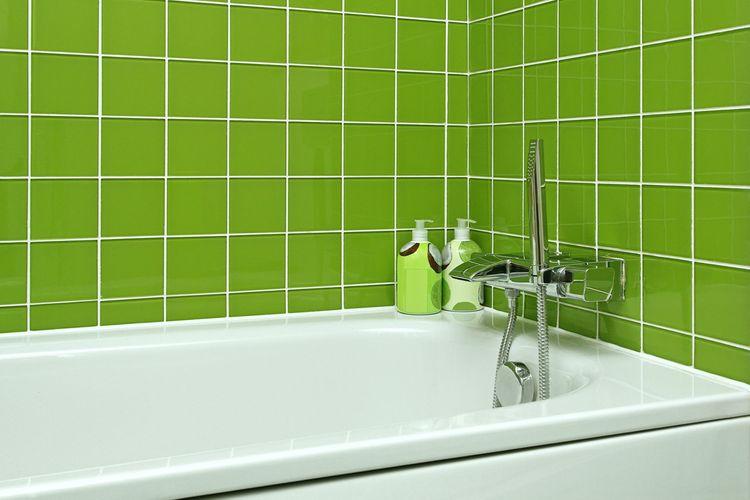 Zelené obkladačky na stenách