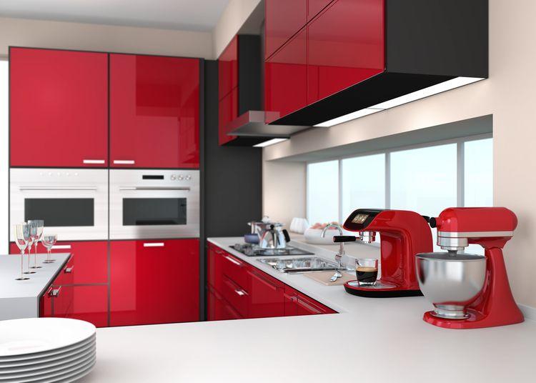 Červeno-čierna kuchynská linka