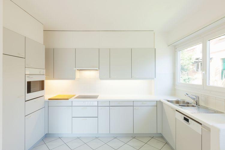 Čisto biela kuchyňa