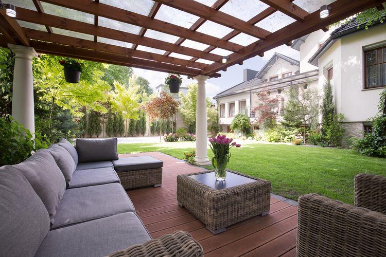 Ratanový nábytok na terase