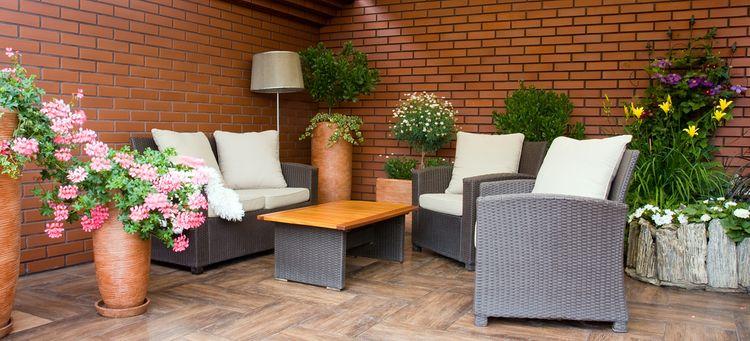 Ratanový nábytok na verande