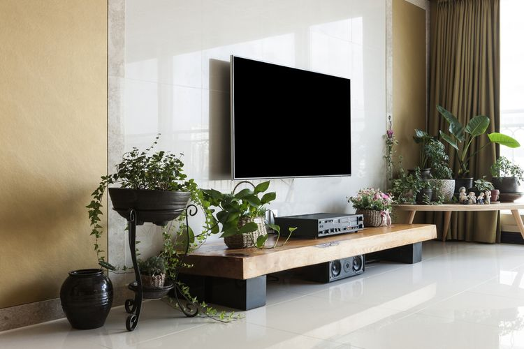 Jednoduchá skrinka pod TV