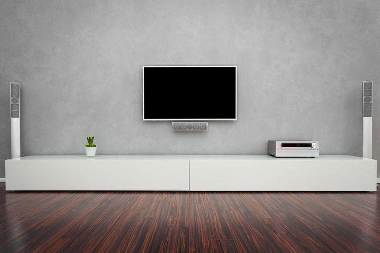 Biela skrinka pod TV
