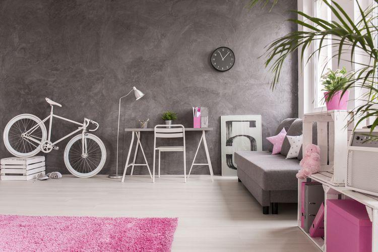 Fialovo-sivá študentská izba