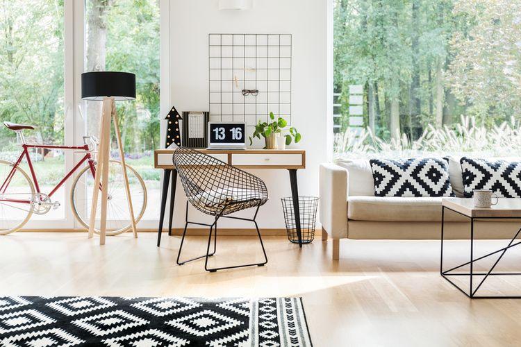 Čierno-biele vzory v obývačke
