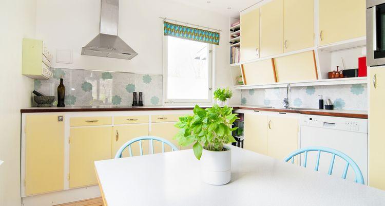 Svetložltá kuchyňa