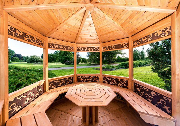 Drevený záhradný altánok