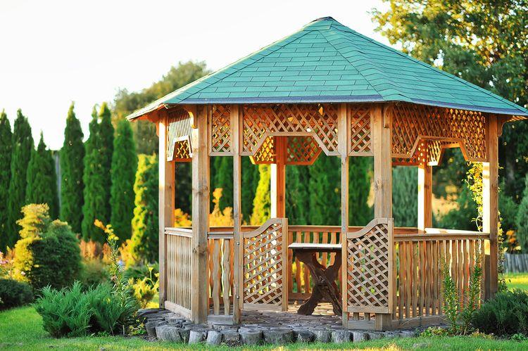Malý záhradný altánok