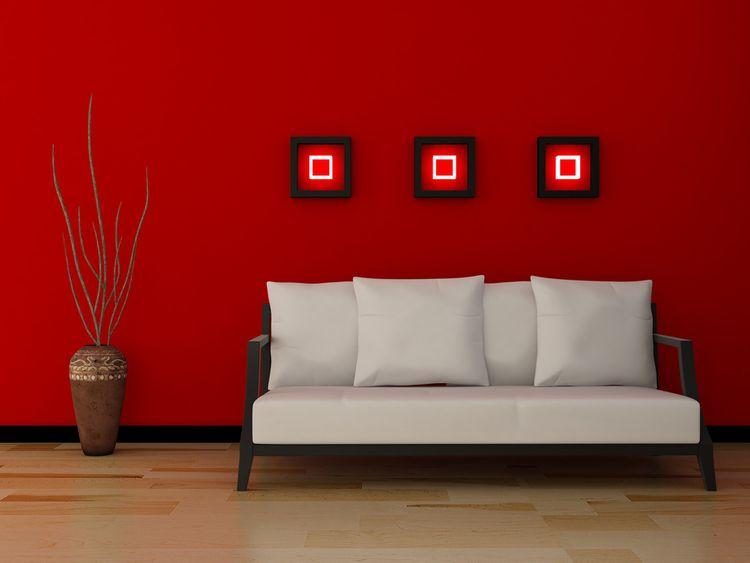 Červená stena v obývačke