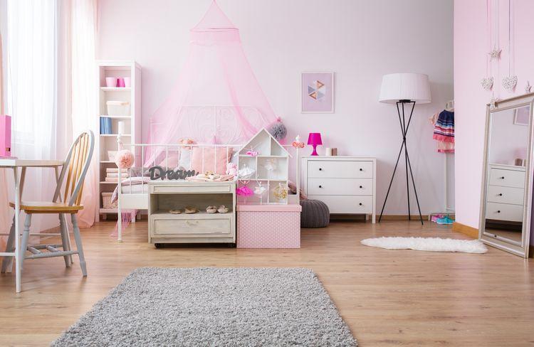 Jemne ružová detská izba