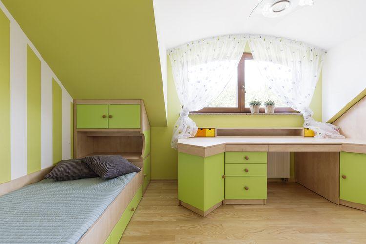 Zelená podkrovná detská izba