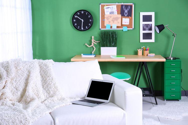 Detská izba so zelenou stenou