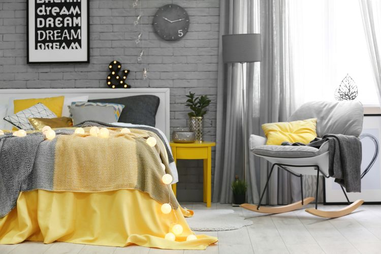 Sivo-žltá spálňa
