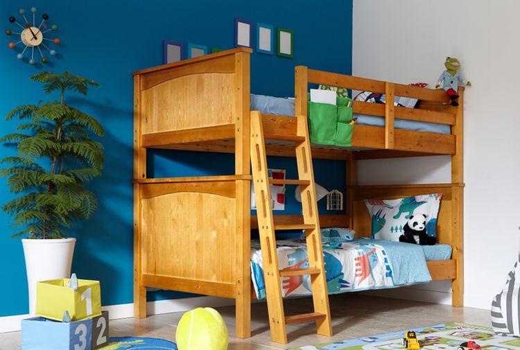 Drevená poschodová posteľ