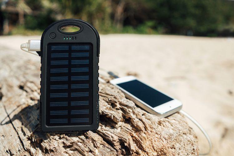82ac34b0bf49d Solárna nabíjačka na mobil, notebook či autobatériu? Recenzie pomôžu ...