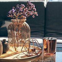 Vázy na kvety ako bytové doplnky do obývačky