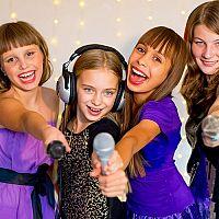 Kompletný set karaoke pre deti je výborným darčekom pre malých spevákov