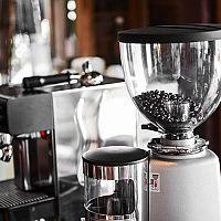 Najlepšie mlynčeky na kávu: Recenzie a test poradia, ako si vybrať