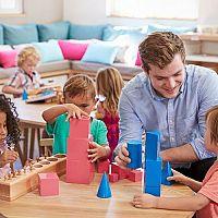 Montessori hračky: Podporte zdravý rozvoj vášho dieťatka