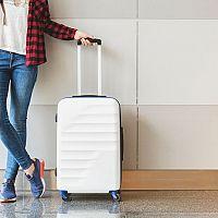 Látkový alebo plastový cestovný kufor do lietadla? Lacné nebývajú najkvalitnejšie!