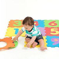Penové puzzle na zem deti milujú: Chránia pred úrazom aj chladom