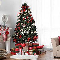 Ktorý vianočný stromček je krajší? Živý alebo umelý?