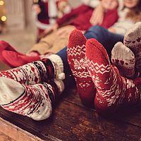 Vianočné ponožky so sobíkmi či vločkami sú každoročný hit!