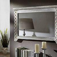 Štýlové zrkadlá do obývačky opticky zväčšia priestor