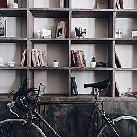 Ako uskladniť a uložiť bicykel v byte? Zaveste ho