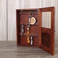 Skrinka na kľúče - biela a drevená pre dokonalý vintage štýl