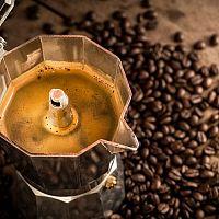 Najlepšie elektrické moka kávovary aj na indukciu. Ako si vybrať?