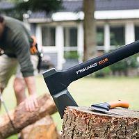 Najlepšia sekera na drevo? Vyskúšajte Patriot, Fiskars, Husqvarna alebo Stihl