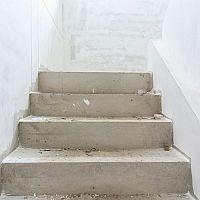 Staviame schody - aká je správna výška a šírka schodov