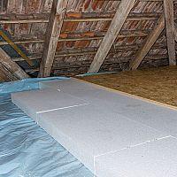 Zateplenie podlahy v starom dome? Najčastejšie styrodurom (polystyrénom)