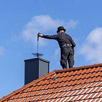 Kedy a ako často čistiť komín? Pomôže rotačná kefa a odstraňovač sadzí