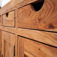 Aké sú výhody nábytku z masívu dubu, buku, borovice, smreku či palisandra?