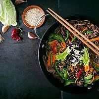 Najlepšie originálne wok panvice? Recenzie chvália značky Tefal, Tescoma či Delimano