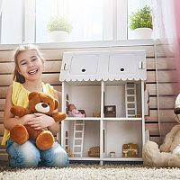 Domčeky pre bábiky z dreva, plastu aj kartónu