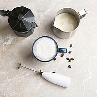 Automatický alebo ručný napeňovač mlieka? Najlepšie značky podľa recenzií sú Tescoma, Orava či Sencor